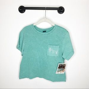 Vibe N teal cactus graphic t-shirt cropped
